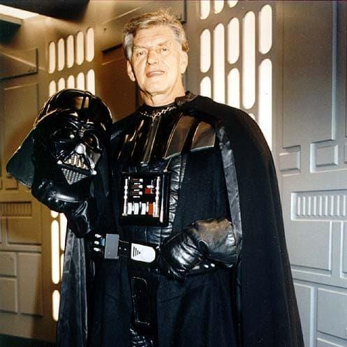David Prowse como Darth Vader