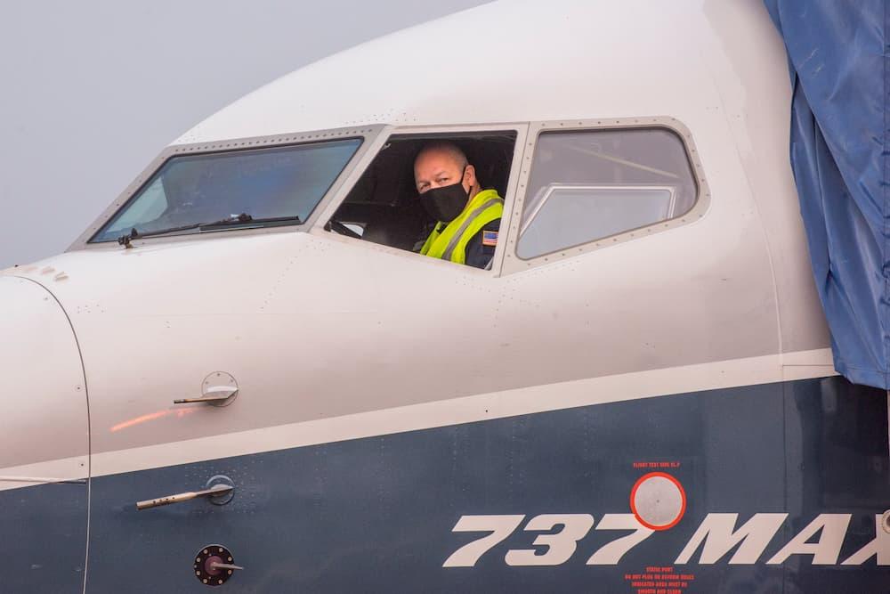 Dickson en el asiento del comandante - FAA)