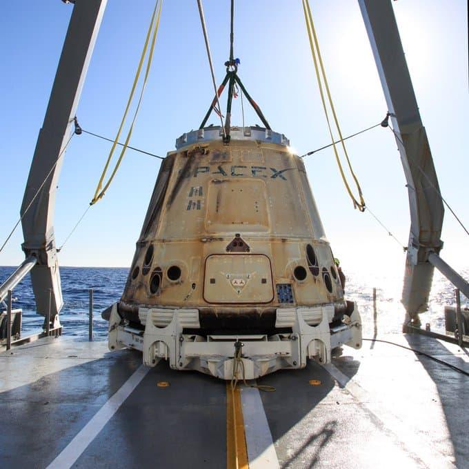 La Dragon 19 ya «pescada» - NASA
