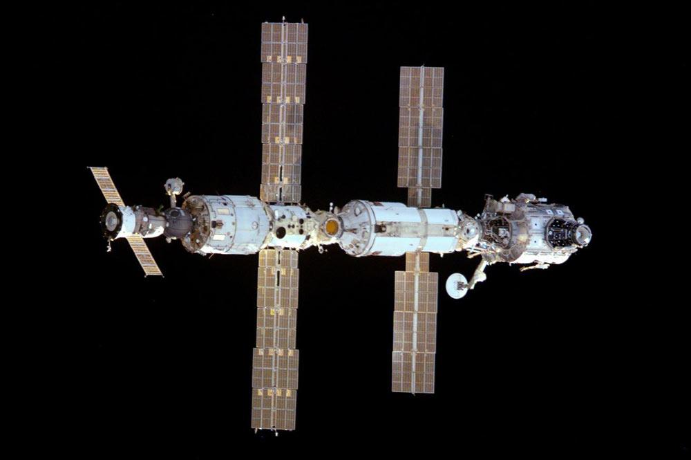 La Estación Espacial Internacional durante la Expedición 1 – NASA