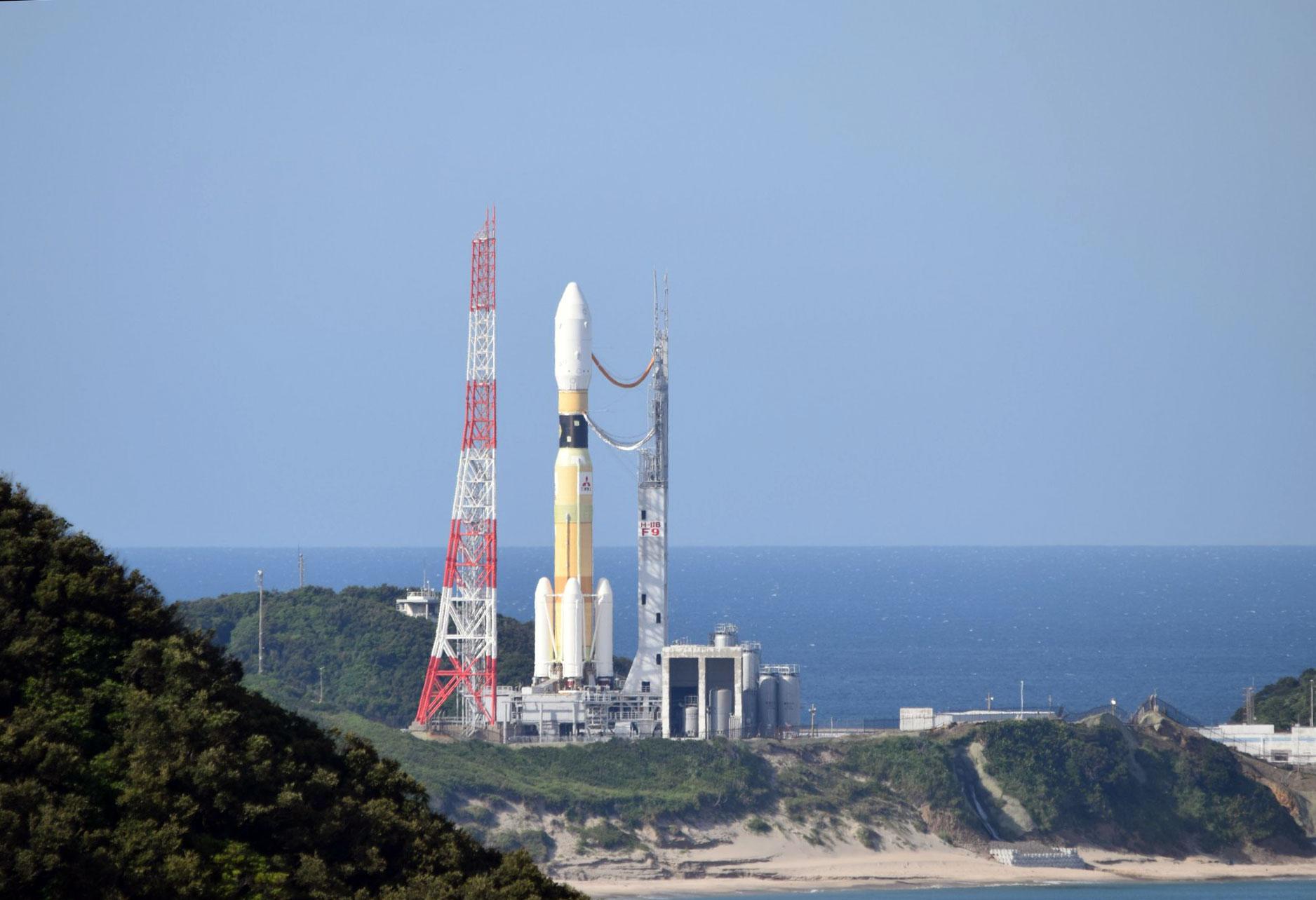 El HTV-9 en la plataforma de lanzamiento