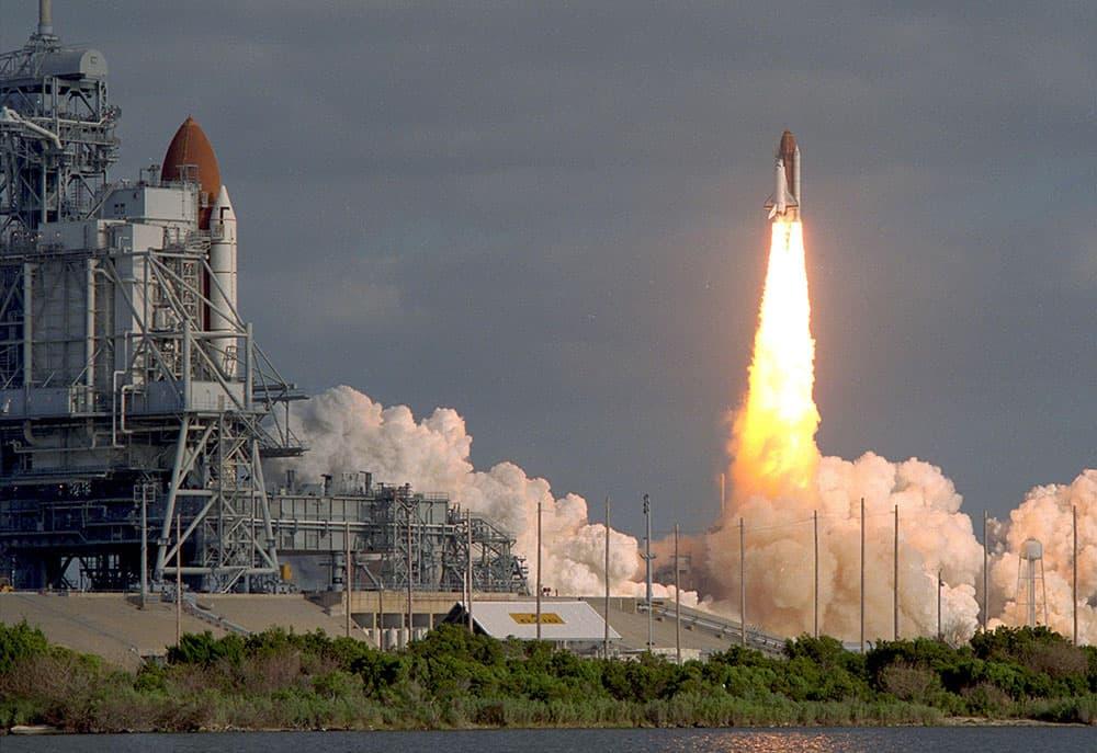 Despegue del Discovery con el Hubble – NASA