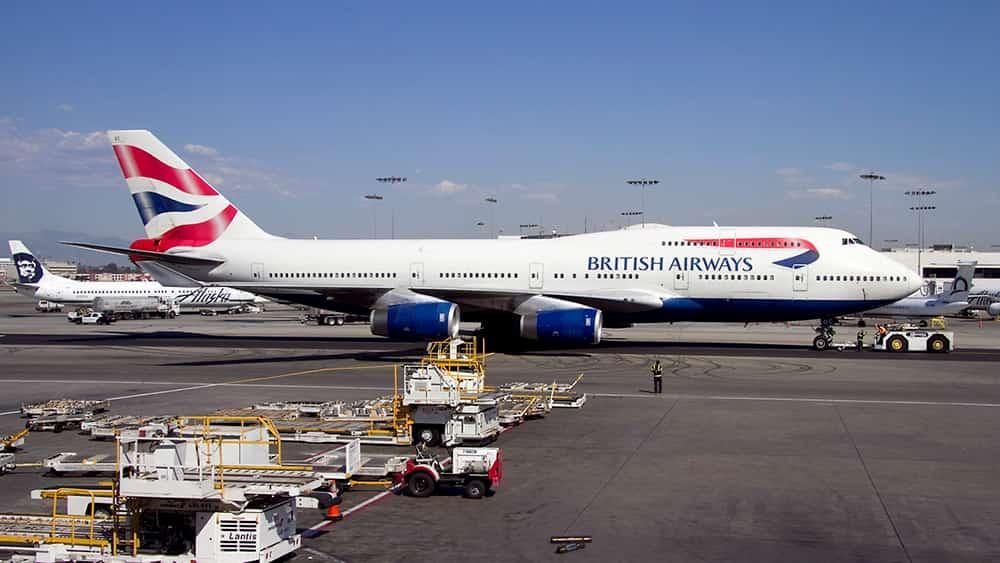 Actividad en el aeropuerto visto desde la terminal Tom Bradley – Wicho