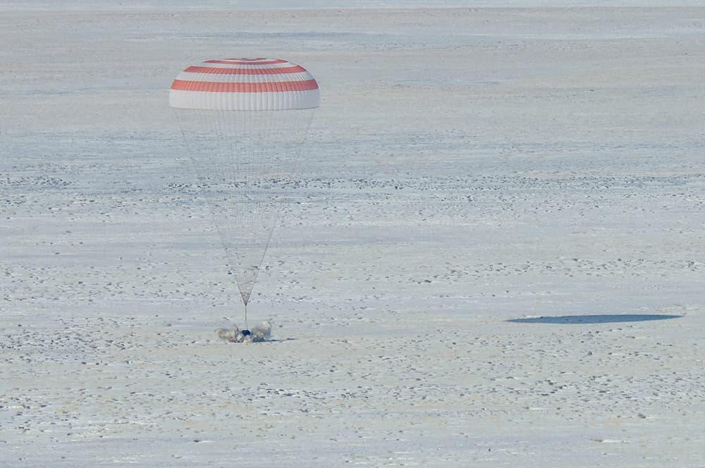 Aterrizaje de la Soyuz MS-13 - NASA/Bill Ingalls