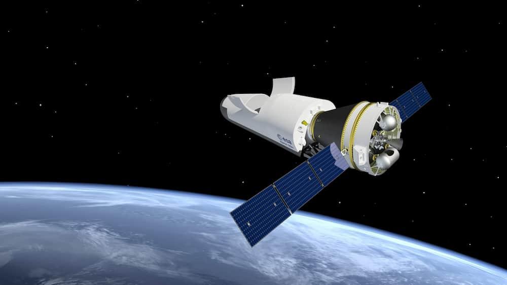 Impresión artística del Space Rider en órbita – ESA