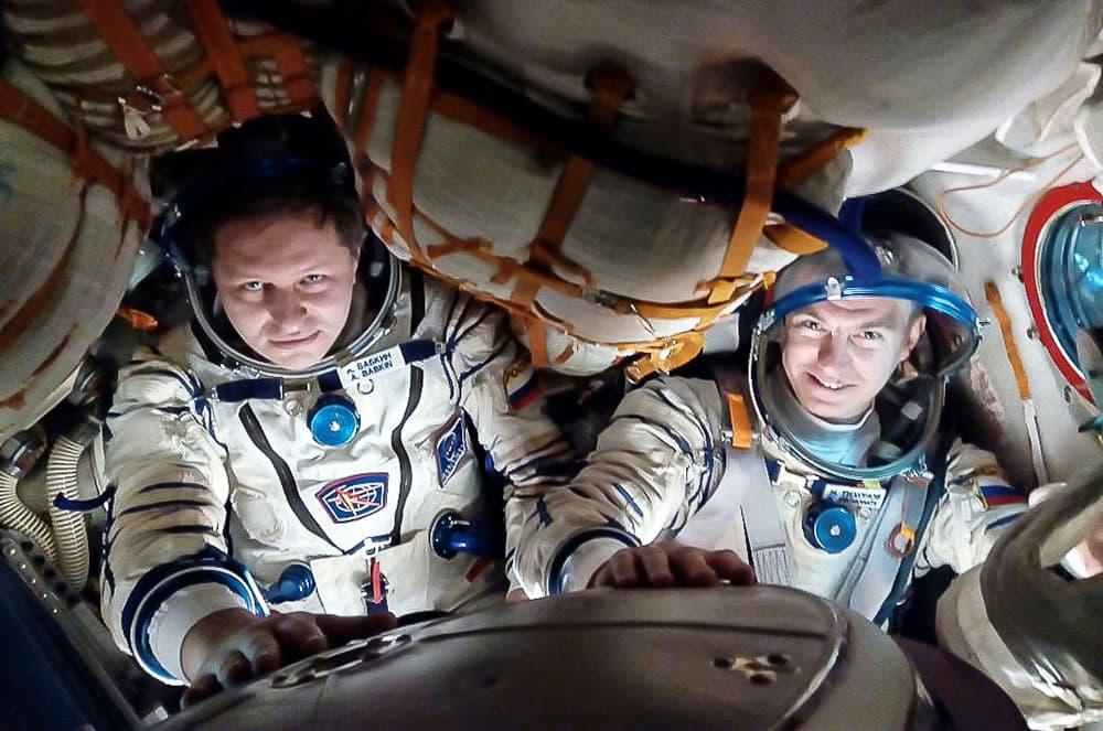 Thikonov y Babkin durante su entrenamiento - Roscosmos
