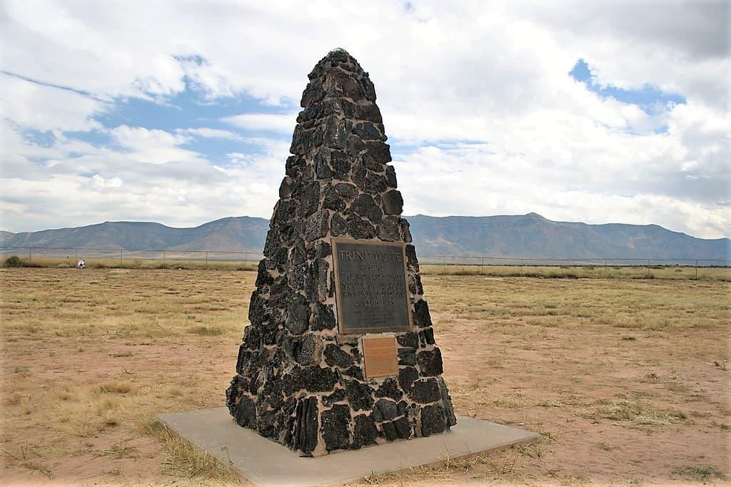 Obelisco conmemorativo en Trinity / Fuerza Aérea de los Estados Unidos