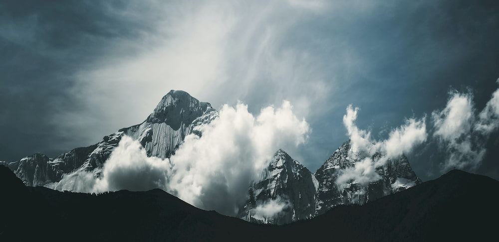 Everest (CC) Kabita Darlami @ Unsplash