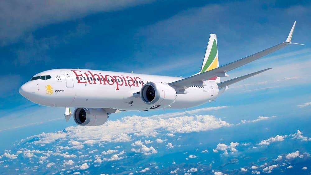 Impresión artística de un Boeing 737 MAX-8 de Ethiopian Airlines en vuelo – Boeing
