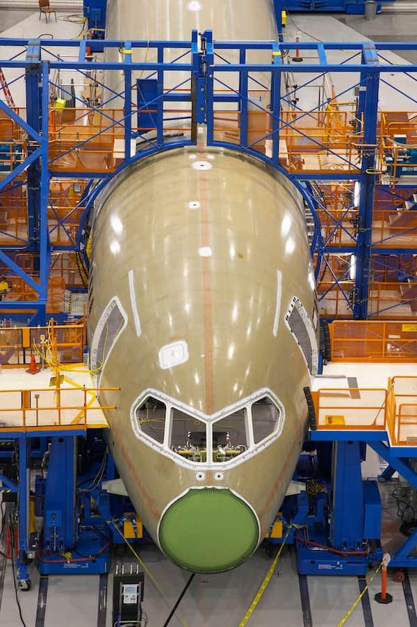 Un 787 con el mamparo frontal a la vista – Boeing
