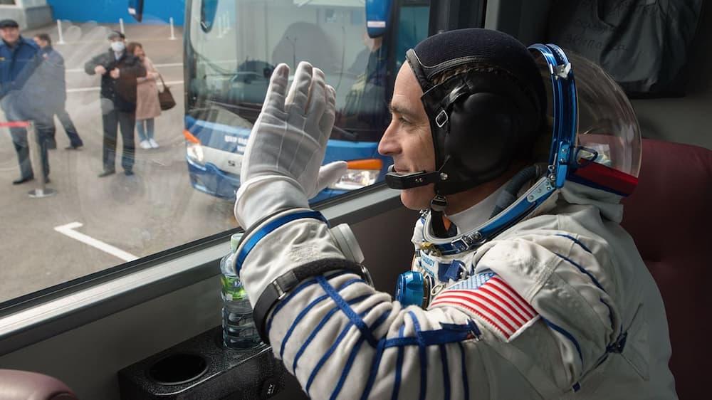 Chris Cassidy camino de embarcar en la Soyuz MS-16 – NASA