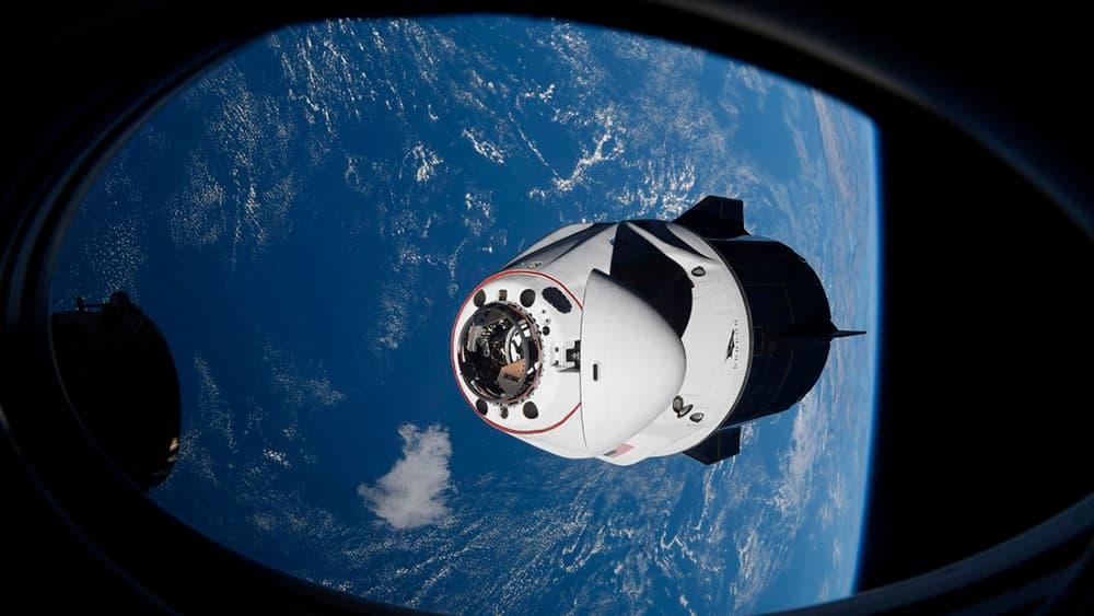 Una Crew Dragon en aproximación a la EEI – Axiom Space