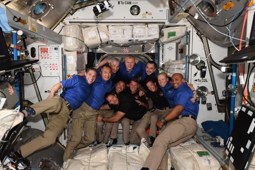 Las 11 personas a bordo de la EEI – NASA