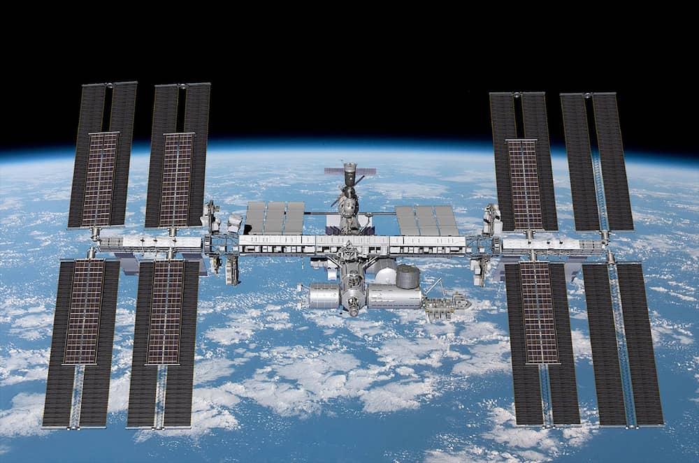 Impresión artística de la Estación con los paneles extra ya instalados – Boeing