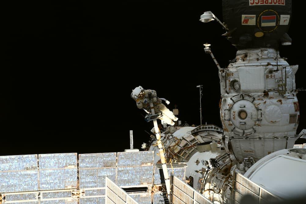 Pyotr Dubrov, durante el paseo espacial – Thomas Pesquet/ESA/NASA