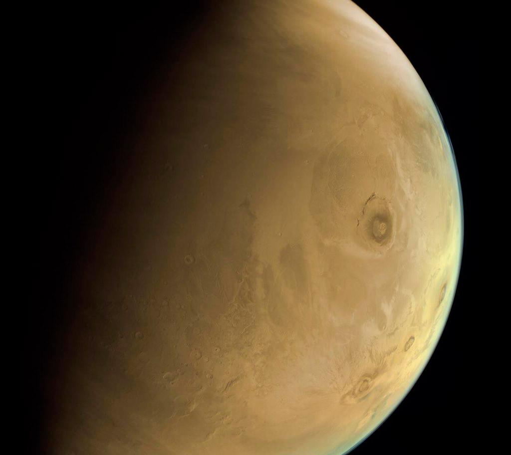 El Monte Olimpo visto por EXI – Hope Mars Mission/EXI