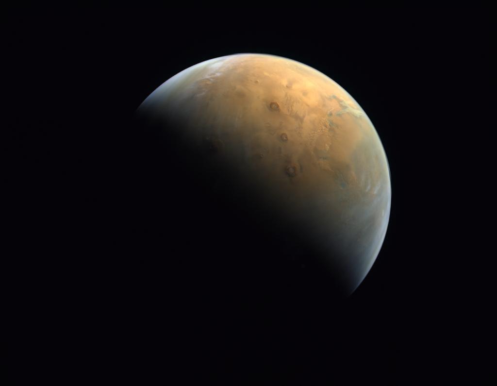 Primera foto de Marte enviada por la sonda Hope – Hope Mars Mission