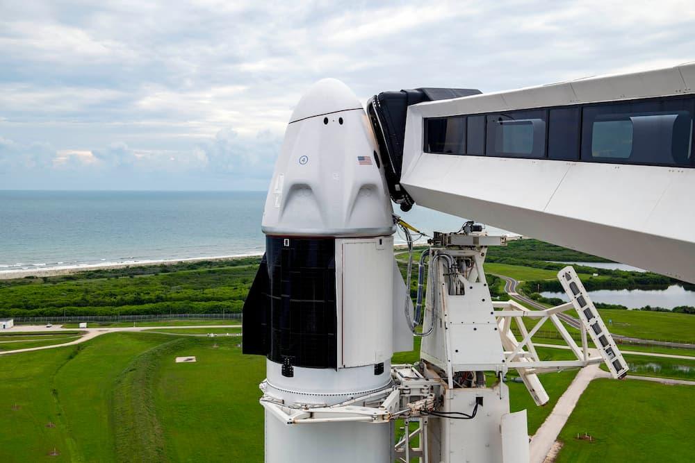 La Crew Dragon Resilience en la plataforma de lanzamiento – SpaceX