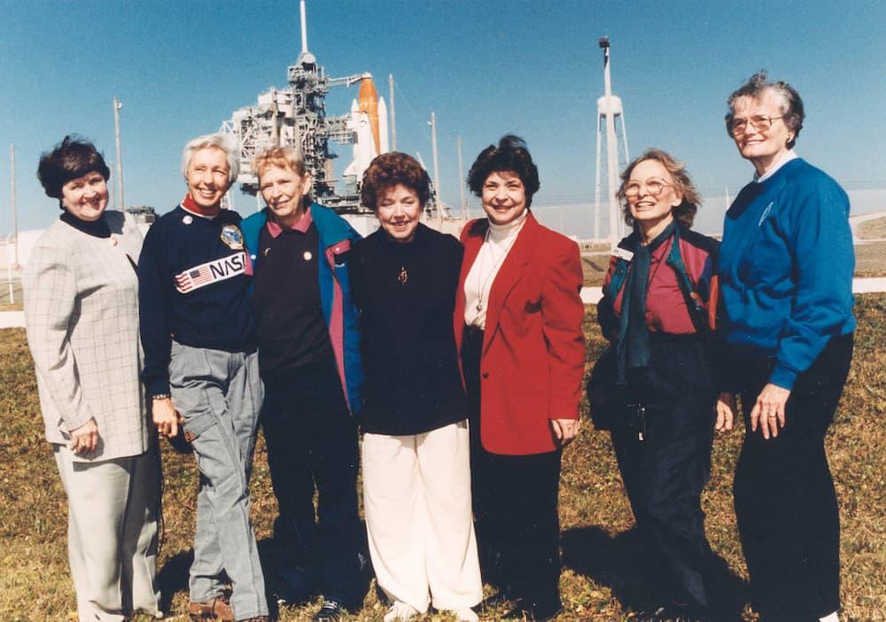 Reunión de ocho de las Mercury 13 en 1995 – NASA