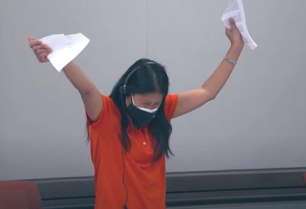 Mimi Aung, la la ingeniera responsable del proyecto, rompre el plan de contingencia - NASA TV