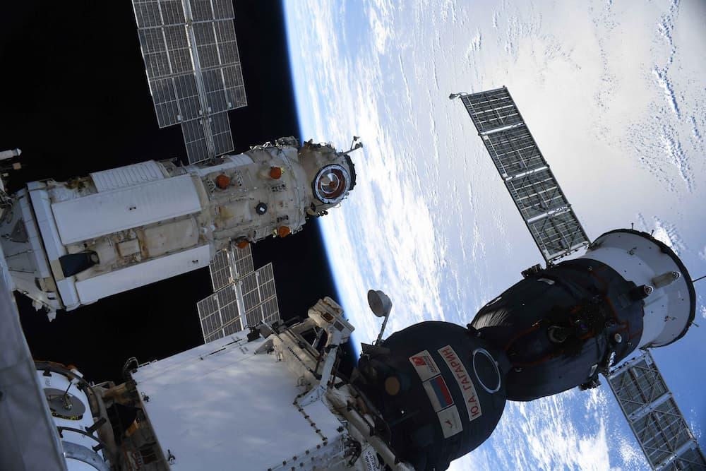 Nauka y la Soyuz MS-18 atracados en la EEI – Roscosmos