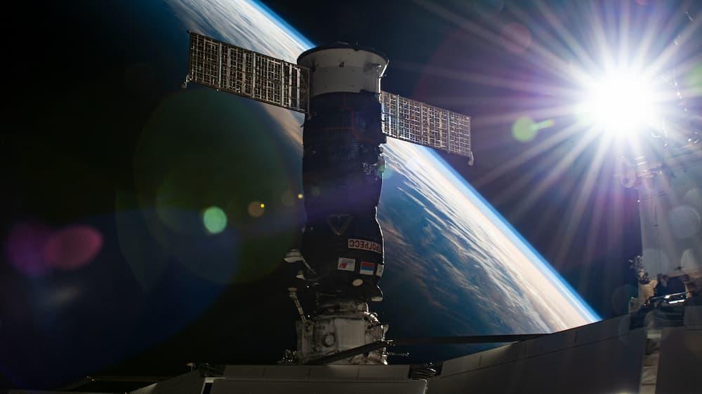 Pirs y la Progress MS-16 acoplados a la EEI – NASA