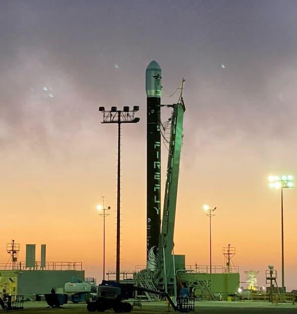 El primer Alpha en la plataforma de lanzamiento – Firefly Aeerospace/Everyday Astronaut