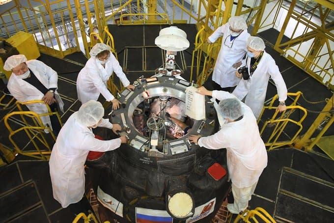 Carga de ítems de última hora en la Progress MS-16 – Roscosmos