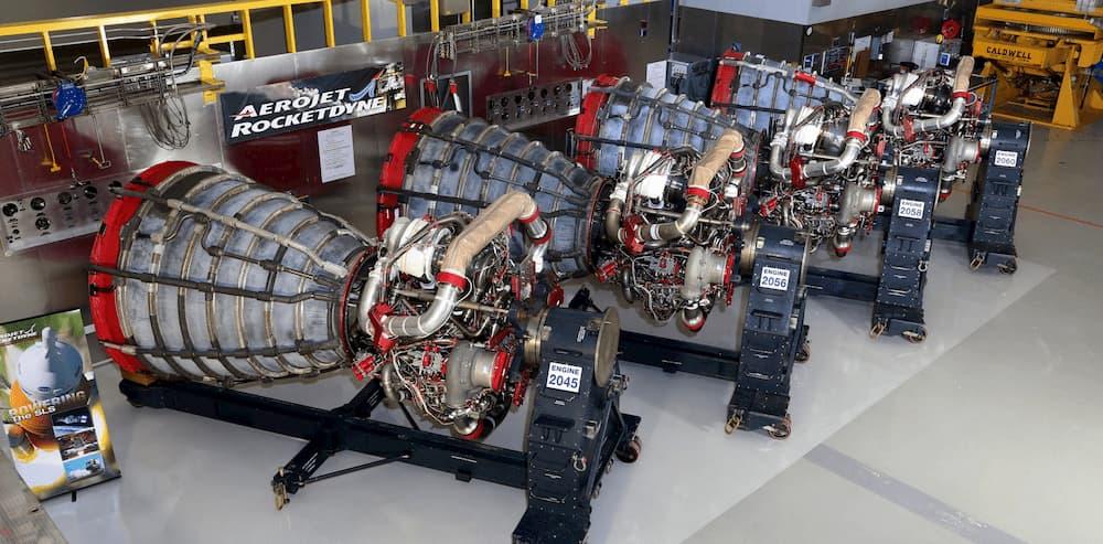Los cuatro motores antes de ser montados en el SLS – Aerojet Rocketdyne