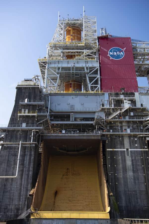 El SLS en el banco de pruebas B–2 del centro Stennis – NASA
