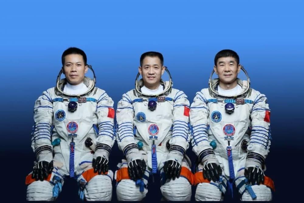 La tripulación de la Shenzhou 12 - CNSA