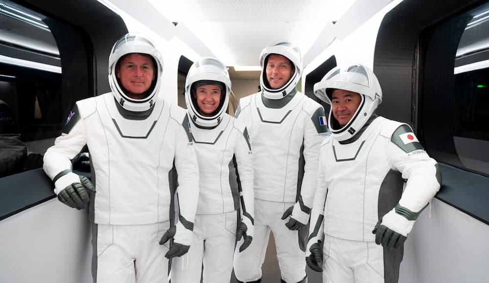 La tripulación de la Crew–2 - NASA