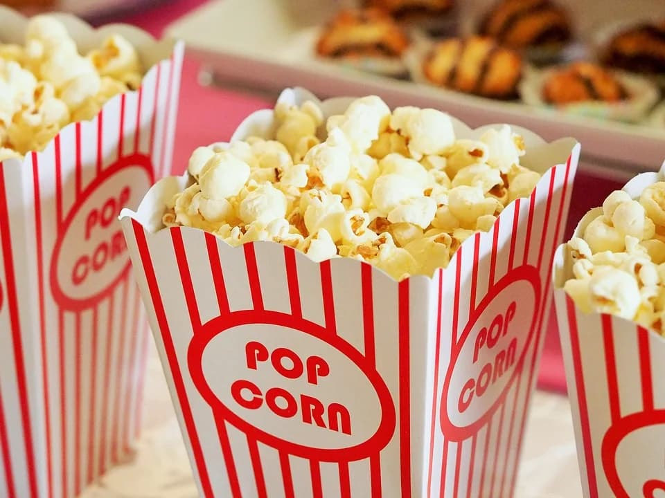 Popcorn (CC) dbreen @ Pixabay