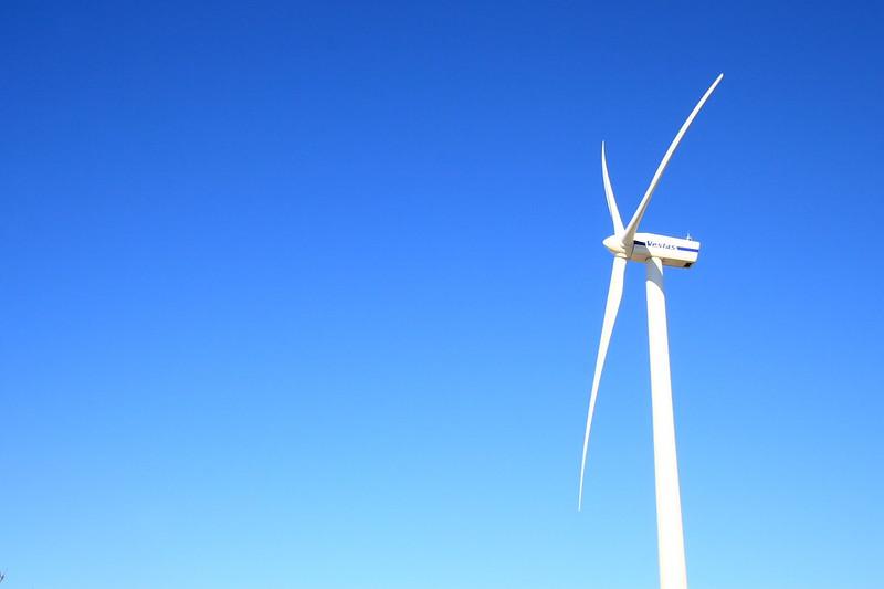Wind Power Farm< (CC) Kazuhiko Teramoto @ Flick