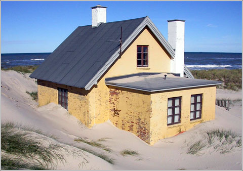Beach House (CC) Skagman @ Flickr