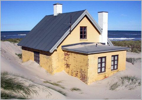 Beach House (CC) Skagman @ Flickr