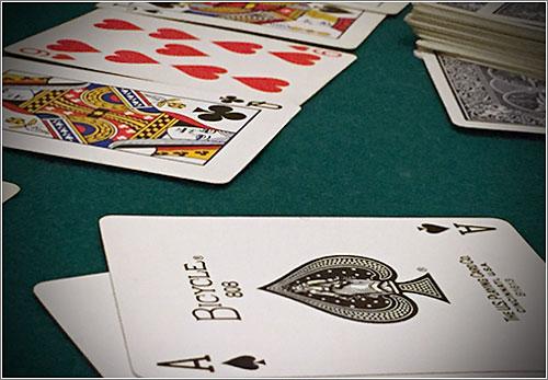 Poker (CC)-by Alvy @ Microsiervos.com