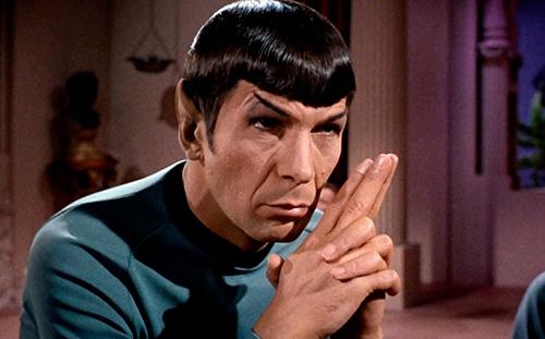 Leonard Nimoy como Spock en Star Trek, la serie original