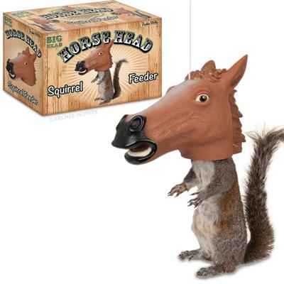 Alimentador de ardillas estilo cabeza de caballo